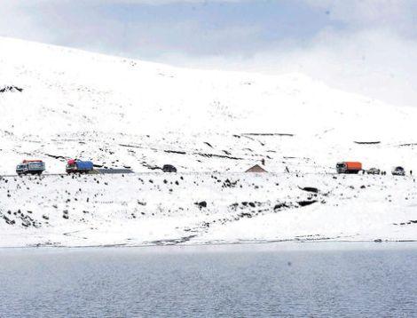 Cumbre-Yungas-Paz-Debido-autoridades_LRZIMA20150327_0022_11